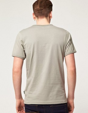 Bild 2 von Pretty Green by Liam Gallagher  T-Shirt mit Tasche mit Logo