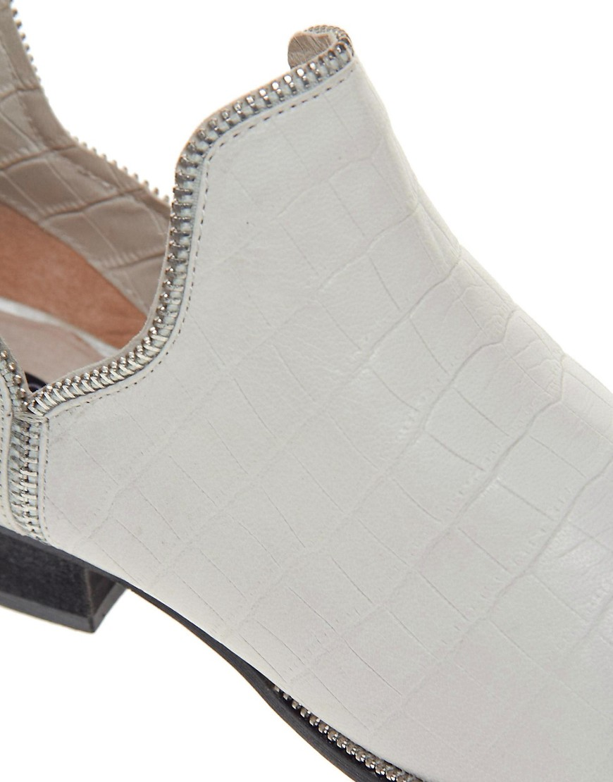 Image 2 of Senso Bertie II Cut Out Ankle Boots
