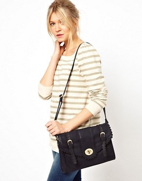 Image 3 ofOasis Scallop Satchel
