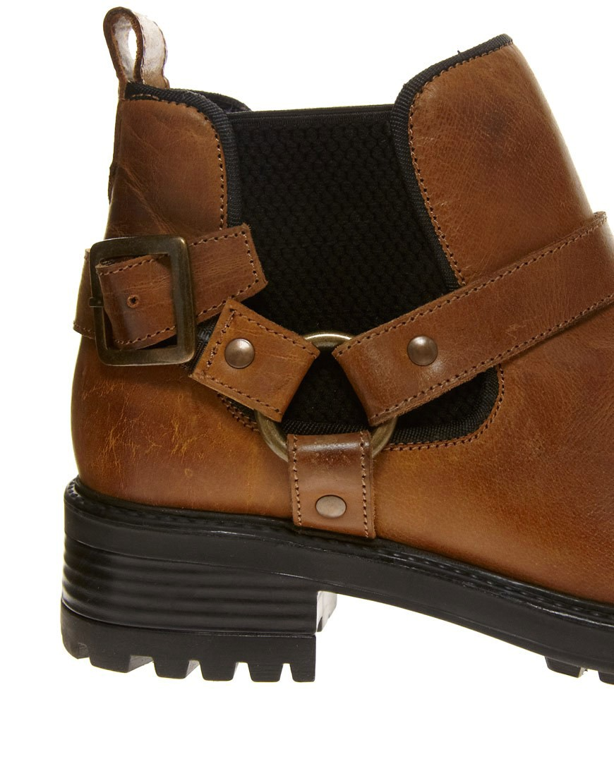 Image 2 of ASOS ALERT Leather Chelsea Ankle Boots