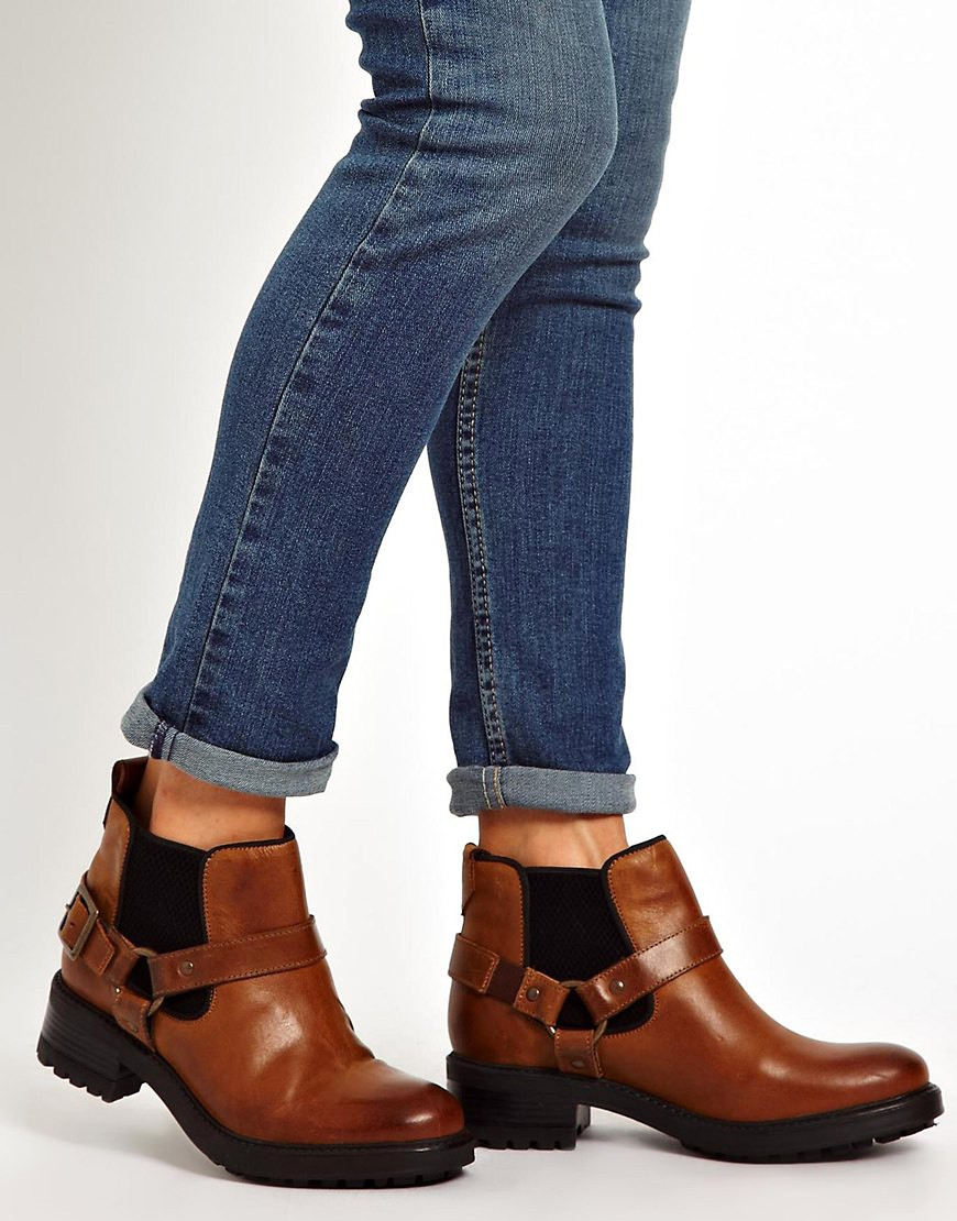 Image 3 of ASOS ALERT Leather Chelsea Ankle Boots