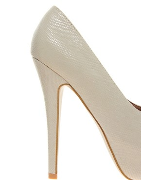 Image 2 ofNew Look Structure 2 Snake Print Platform Court Shoes