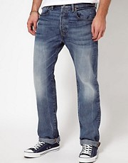 Levis Jeans 501 Straight Fit On The Floor