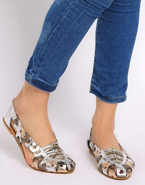 Image 3 ofASOS JEEVES Leather Flat Shoes