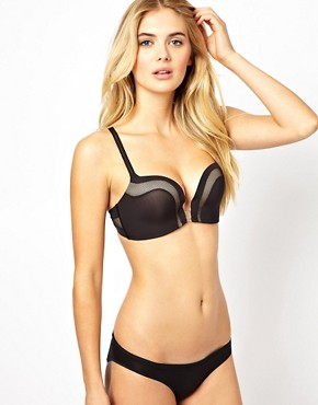 Image 4 ofWonderbra The Ultimate Plunge Bra
