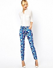 Pantalones con estampado floral llamativo de ASOS