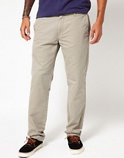 Chinos tapered de corte estndar en sarga Prime de Carhartt