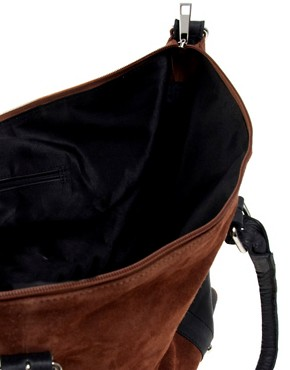 Bild 2 von ASOS  Lederreisetasche mit Metallelementen