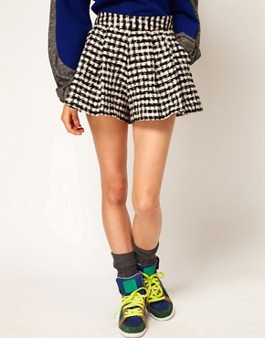 Image 4 ofASOS Africa Pleated Check Shorts