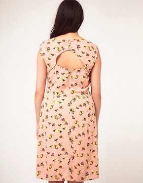 Image 2 ofASOS CURVE Exclusive Dress In Pretty Floral