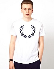Camiseta con corona de laurel de Fred Perry