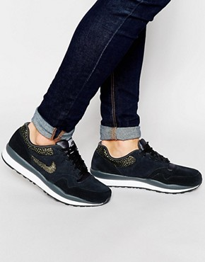 Nike Air Safari Trainers