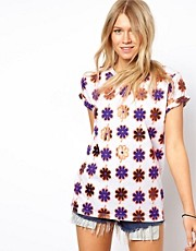 ASOS - T-shirt con stampa floreale laminata