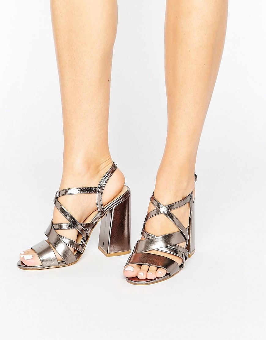 New Look Metallic Strappy Block Heeled Sandal - Silver