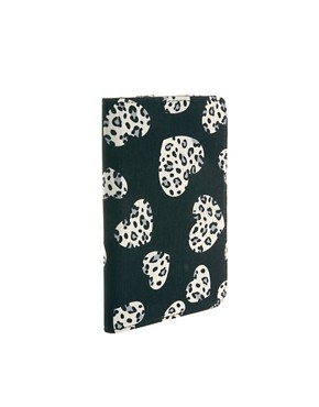 Image 2 ofASOS Heart Print Kindle Case