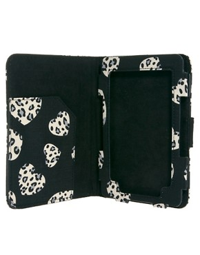 Image 4 ofASOS Heart Print Kindle Case