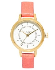 Reloj estilo vintage de cuero en coral de Olivia Burton