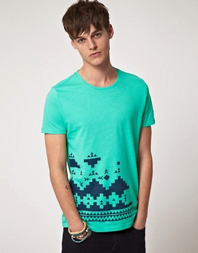 Bild 1 von ASOS  T-Shirt mit bergroem Aztekenmuster