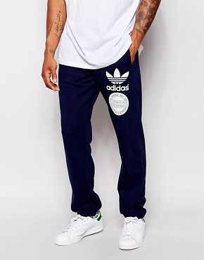 adidas Originals Graphics Joggers AB8038