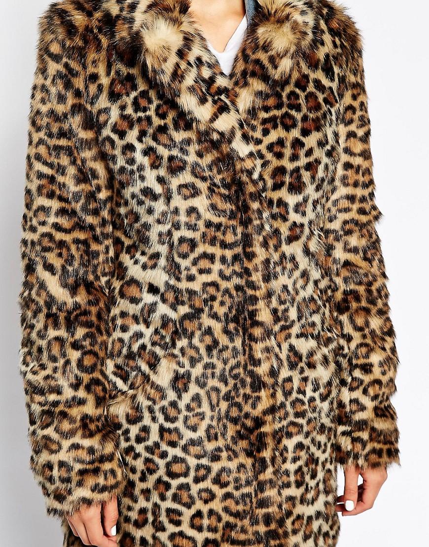 new look new look manteau en fausse fourrure imprim l opard chez asos. Black Bedroom Furniture Sets. Home Design Ideas