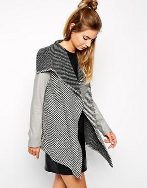 Glamorous Coat with Large Lapels