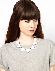 Collar con tringulos de ASOS