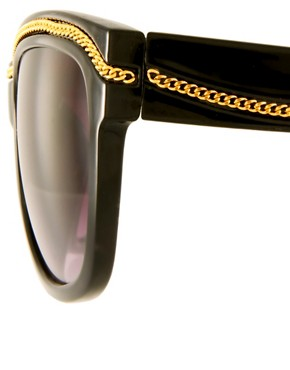 Image 4 ofJeepers Peepers Exclusive To ASOS Black Orla With Chain Detail Sunglasses