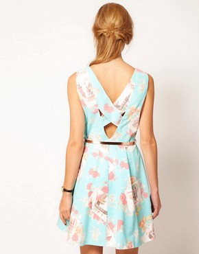 Image 2 ofOasis Dress In Floral Postcard Print