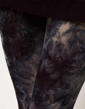 Image 3 ofASOS PETITE Exclusive Leggings In Tie Dye