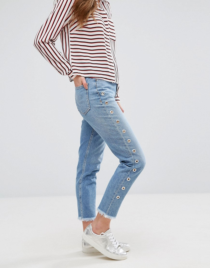 New Look Eyelet Side Mom Jeans - Mid blue