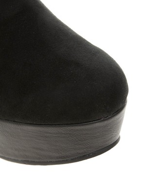 Image 2 ofRiver Island Zip Side Flatform Boots