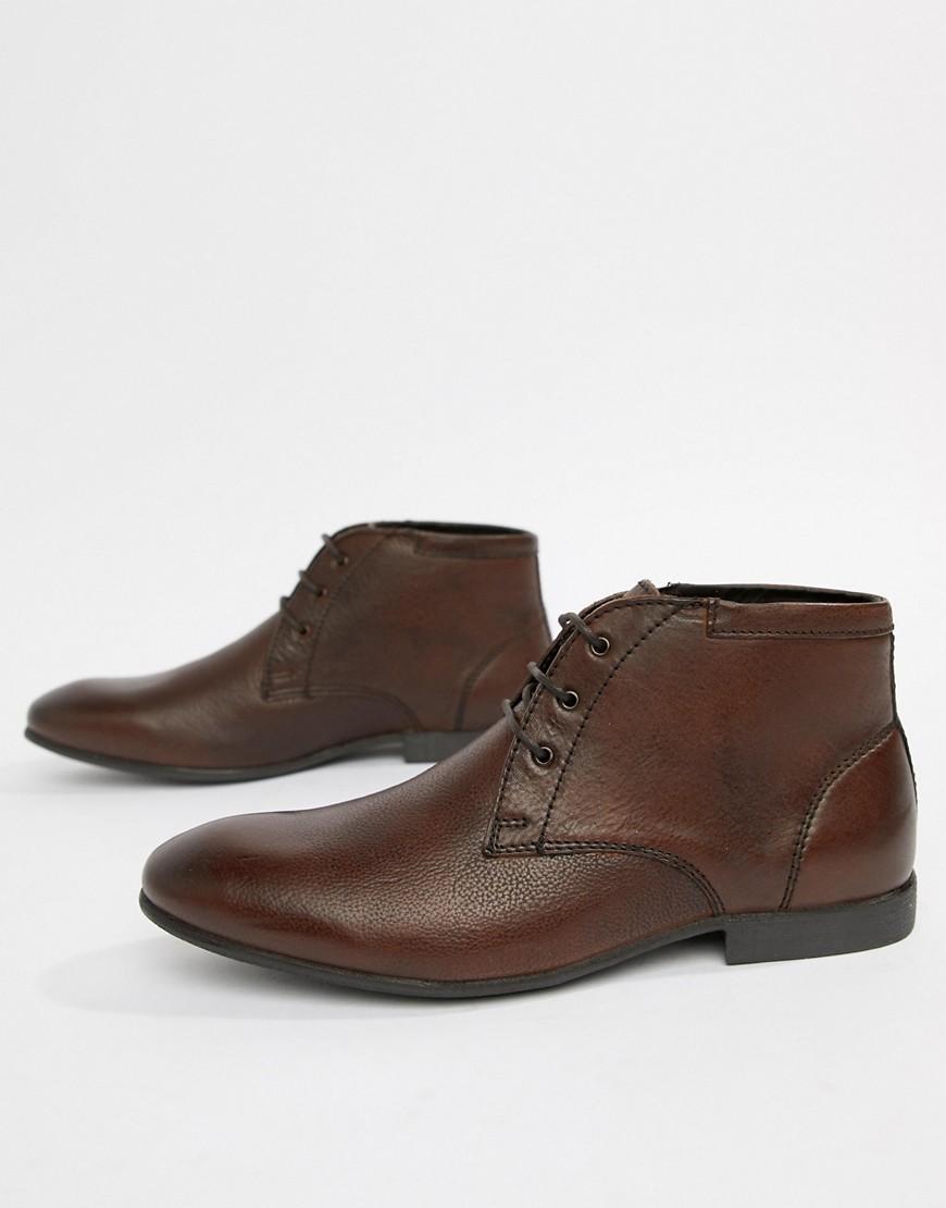 Коричневые кожаные ботинки чукка ASOS DESIGN - Коричневый http://images.asos-media.com/inv/media/7/3/5/7/8107537/brown/image1xxl.jpg