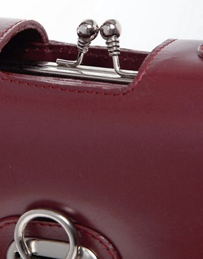 Image 4 ofASOS Premium Leather Vintage Frame Lady Bag