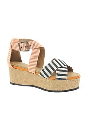 Minimarket Flatform Sandal