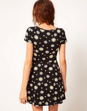 Image 2 of Vero Moda Daisy Print Dress