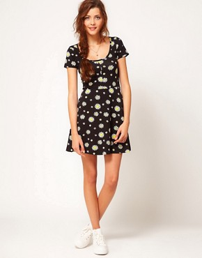 Image 4 of Vero Moda Daisy Print Dress
