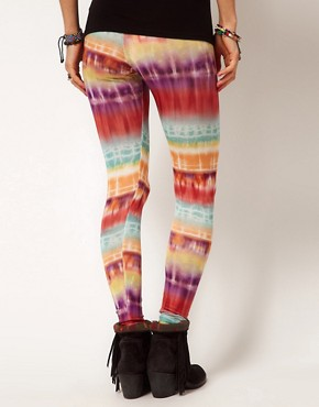 Bild 2 von ASOS  Leggings mit leuchtendem Batikmuster