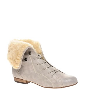 Image 1 ofRiver Island Turtle Faux Fur Lined Flat Boots