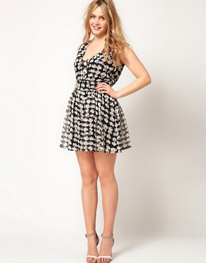 Image 4 ofASOS CURVE Exclusive Playsuit In Mono Geo Print