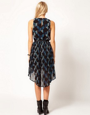 Image 2 ofOasis Geo Print Dress With Hi Low Hem