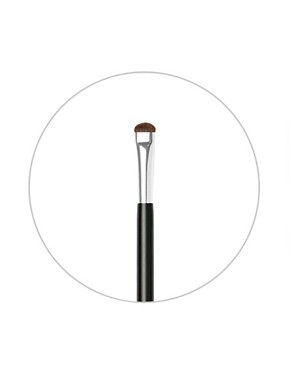 Image 2 of NARS Brush No15: Smudge Brush