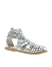Sandalias planas estilo gladiador de cuero FICTION de ASOS