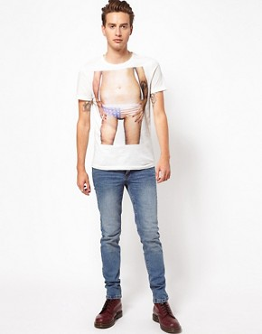 Image 4 ofVacant T-Shirt Photo Print