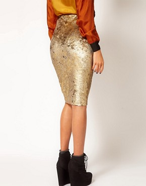 Image 2 ofRiver Island Tula Baroque Velvet Pencil Skirt