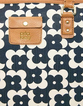 Image 4 ofOrla Kiely Tilly Large Shopper Flower Dot Bag