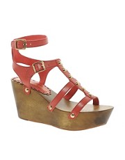 Sandalias de cua alta de cuero Dragon de Juicy Couture