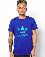 Camiseta con estampado de trbol de Adidas Originals