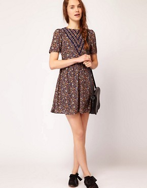 Image 4 of Dahlia Forties Floral Skater Dress