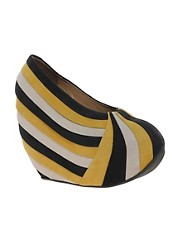 Minimarket Pleat Wedges
