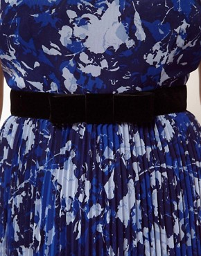 Image 3 ofASOS CURVE Exclusive Floral Dress With Pleated Skirt